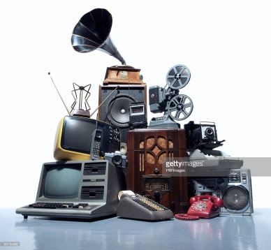 4th Annual Clutter Challenge - Electronics