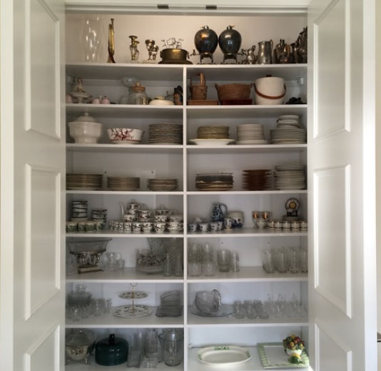 CMFTO - China Cabinet