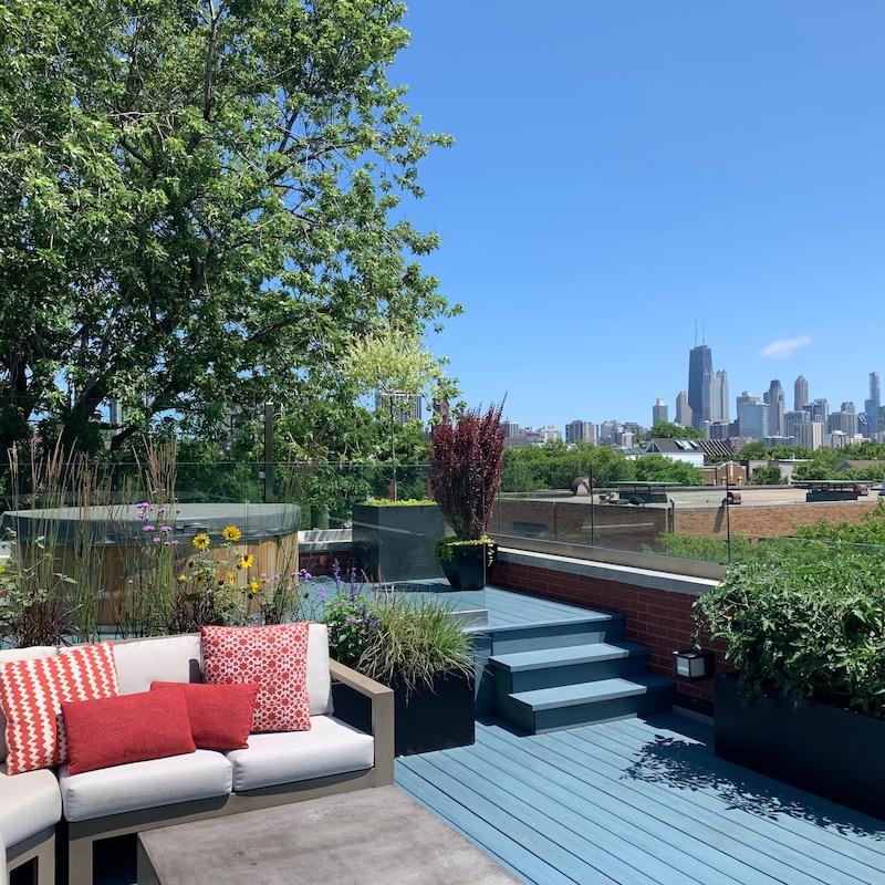 Outdoor roofdeck in Chicago